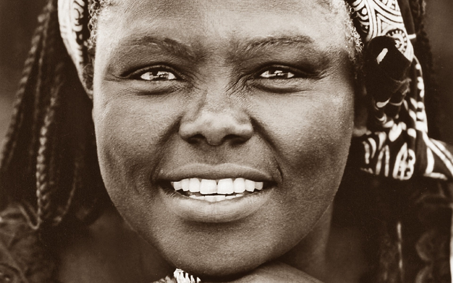 We celebrate Prof Wangari Maathai for helping keep Kenya green. Because of her, we can enjoy a rich fauna and flora in the country.