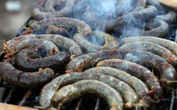 Ever imagined something tastier than sausage? Try our Mutura recipe and you will not want to eat anything less. Great taste, great value.