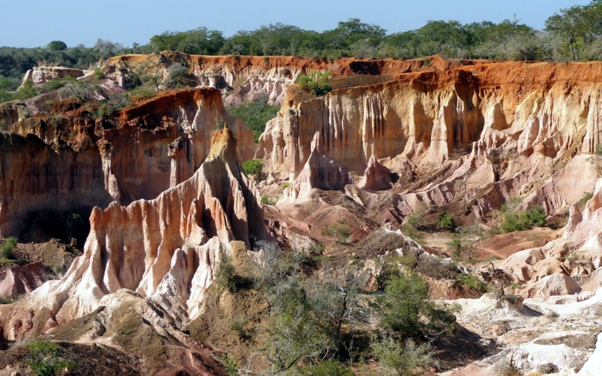 Lonely Planet once described the Marafa Depression as 'the most underrated site on the coast'. Those who visit this amazing anomaly, quickly agree.